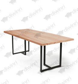 Meja Untuk Restoran